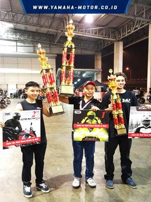 Wawan-Tembong-menjuarai-Motor-Show-Motor-Stunt-Grand-Prix-2016