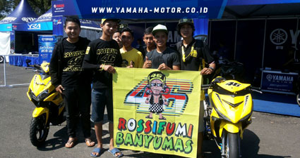 Galang-dan-Fans-Valentino-Rossi-di-event-YCR-Purwokerto
