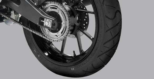 Wide tubeless tire Yamaha All New Vixion R